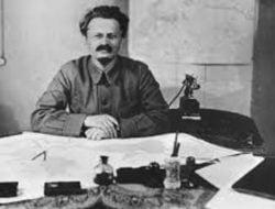 Leon Trotsky Dibunuh Ramon Mercader dengan Sebilah Kapak